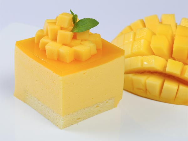 How To Prepare Mango Layer Cake For Mother's Day