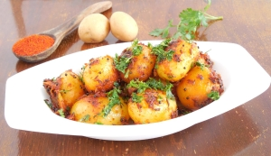 Baby Potato Fry (Small Potato Curry) உருளை வறுவல் -Recipe